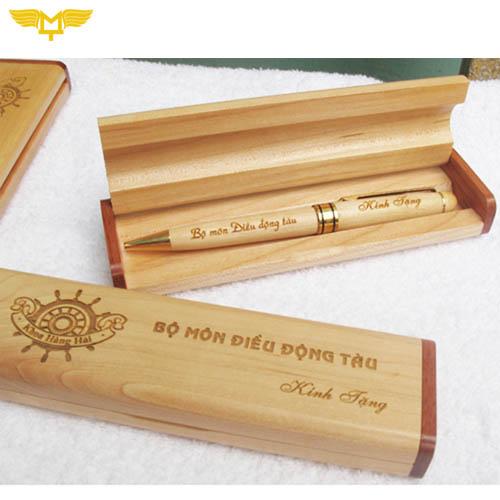 Bút gỗ khắc laser - quà tặng