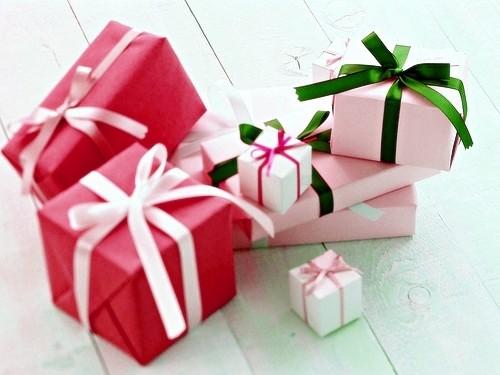 Kinh nghiệm tư vấn tặng quà vàchọn quà theo lứa tuổi